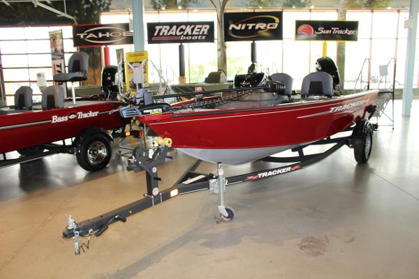 2022 Tracker Boats boat for sale, model of the boat is Super Guide V-16 SC & Image # 2 of 52