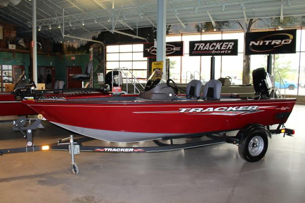 2022 Tracker Boats boat for sale, model of the boat is Super Guide V-16 SC & Image # 1 of 52