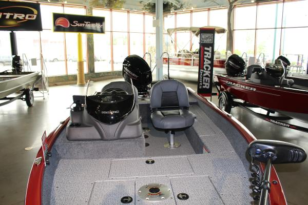 2022 Tracker Boats boat for sale, model of the boat is Super Guide V-16 SC & Image # 4 of 52