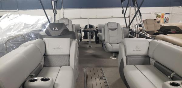 2020 Regency boat for sale, model of the boat is 230 LE3 & Image # 3 of 12