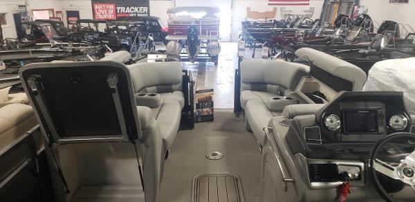 2020 Regency boat for sale, model of the boat is 230 LE3 & Image # 4 of 12