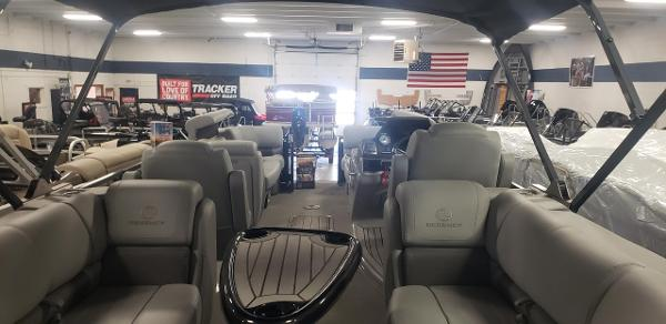 2020 Regency boat for sale, model of the boat is 230 LE3 & Image # 11 of 12