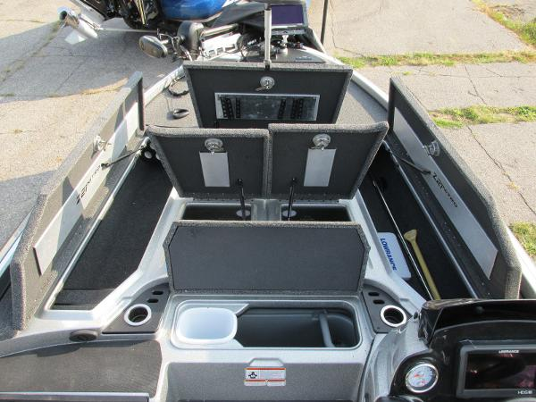 2019 Nitro boat for sale, model of the boat is Z21 PRO PACK DEMO & Image # 6 of 17
