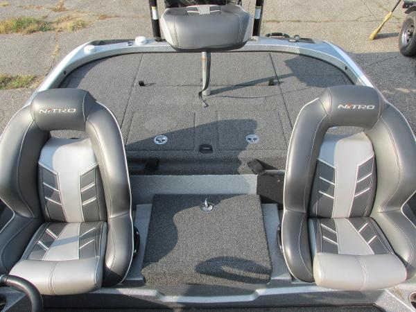 2019 Nitro boat for sale, model of the boat is Z21 PRO PACK DEMO & Image # 10 of 17