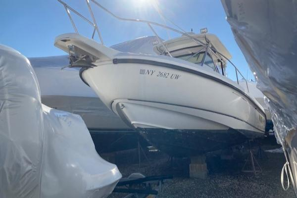 2001 Boston Whaler Outrage 28 thumbnail