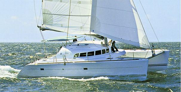 F 5931 SK Knot 10 Yacht Sales