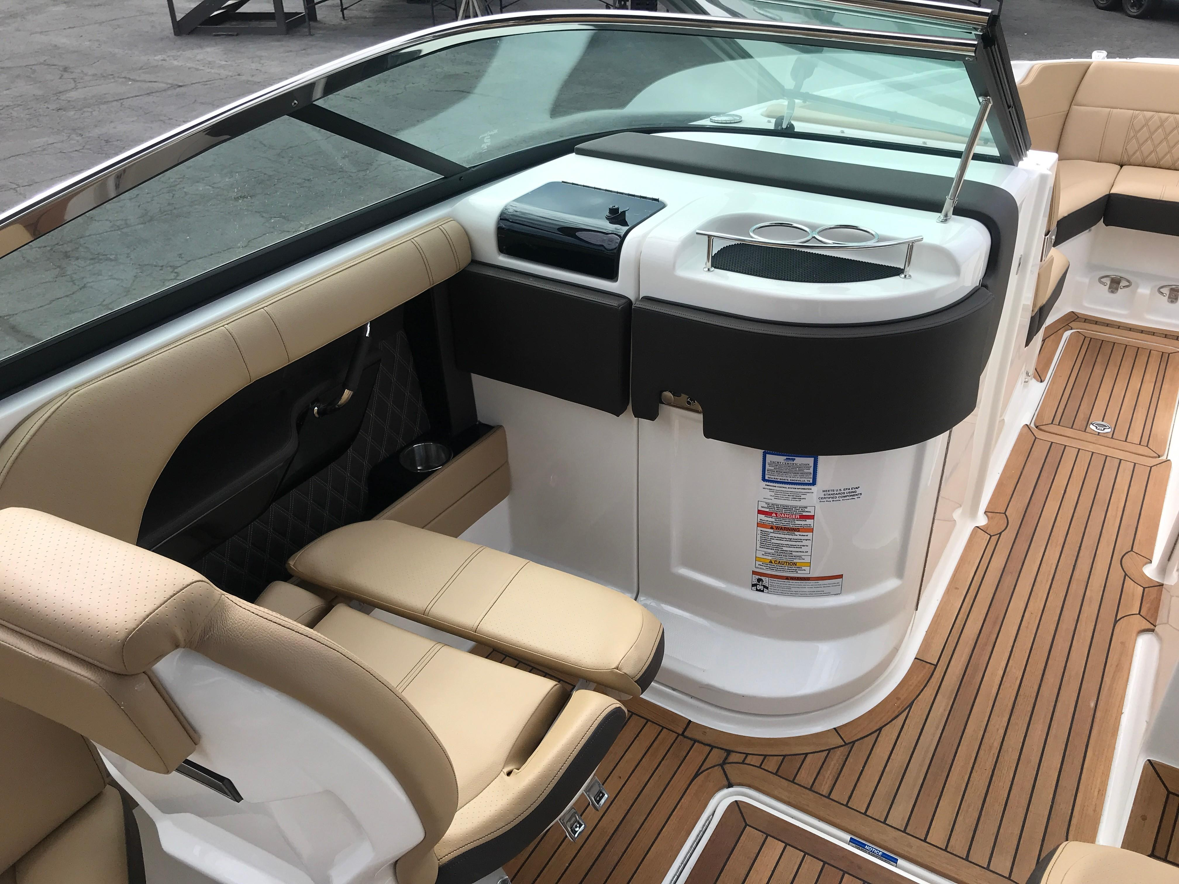 2020 Sea Ray SLX 280 #S1315H inventory image at Sun Country Coastal in Newport Beach