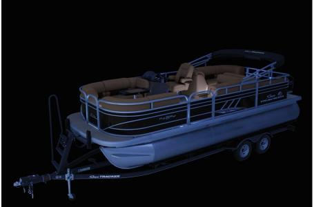 2020 Sun Tracker boat for sale, model of the boat is Signature Party Barge 22RF XP3 w/150L 4S & Image # 7 of 13