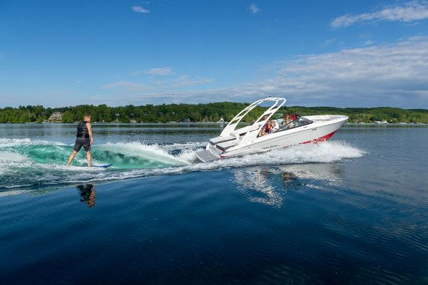 2022 Regal boat for sale, model of the boat is LS2 SURF & Image # 1 of 1