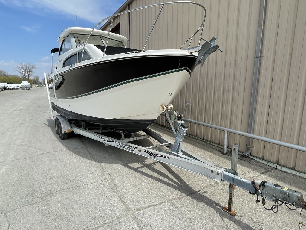 2011 Bayliner boat for sale, model of the boat is DISCOVERY 266 HARD TOP & Image # 2 of 30