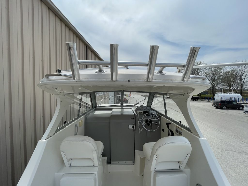 2011 Bayliner boat for sale, model of the boat is DISCOVERY 266 HARD TOP & Image # 28 of 30