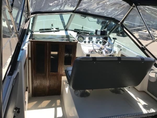 1984 Tiara Yachts boat for sale, model of the boat is 2600 & Image # 12 of 29