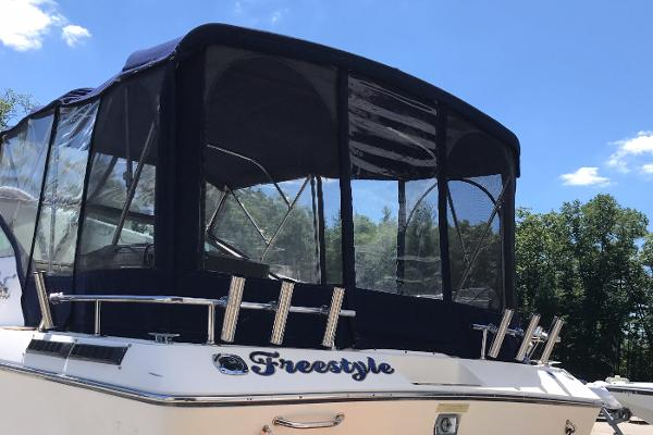 1984 Tiara Yachts boat for sale, model of the boat is 2600 & Image # 19 of 29