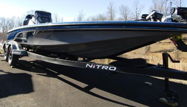 2020 Nitro boat for sale, model of the boat is Z21 & Image # 10 of 20