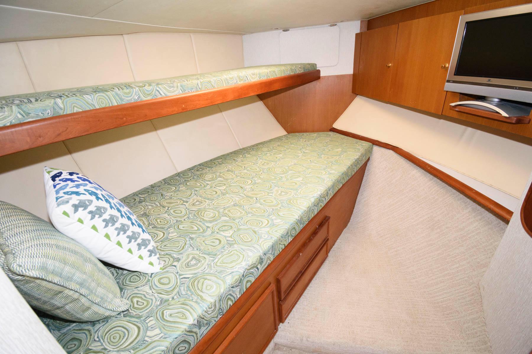 M 6047 JB Knot 10 Yacht Sales