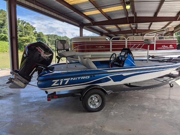 2021 Nitro boat for sale, model of the boat is Z17 & Image # 3 of 62