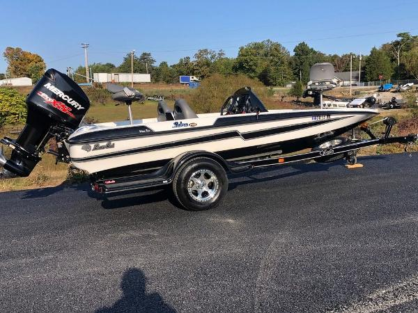 2017 Bass Cat Boats boat for sale, model of the boat is Sabre FTD & Image # 4 of 18
