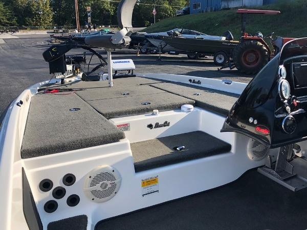 2017 Bass Cat Boats boat for sale, model of the boat is Sabre FTD & Image # 7 of 18