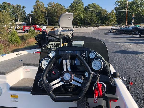 2017 Bass Cat Boats boat for sale, model of the boat is Sabre FTD & Image # 14 of 18