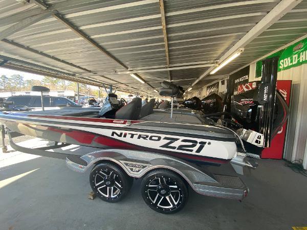 2021 Nitro boat for sale, model of the boat is Z21 & Image # 3 of 6
