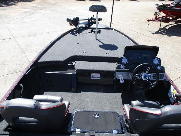 2021 Nitro boat for sale, model of the boat is Z20 Pro & Image # 5 of 8