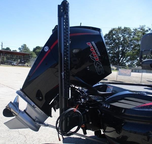 2021 Nitro boat for sale, model of the boat is Z20 Pro & Image # 8 of 8