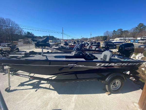2021 Tracker Boats boat for sale, model of the boat is Pro 170 & Image # 1 of 3