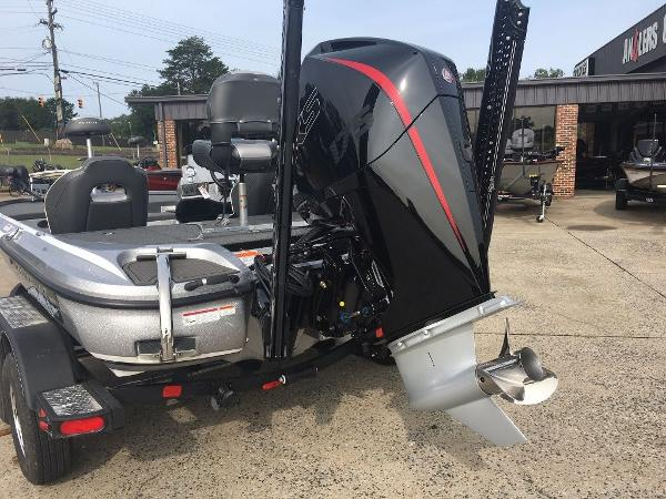 2021 Nitro boat for sale, model of the boat is Z18 Pro & Image # 2 of 10