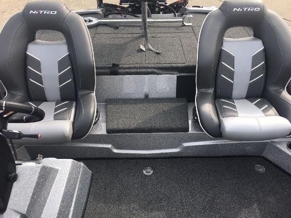 2021 Nitro boat for sale, model of the boat is Z18 Pro & Image # 4 of 10