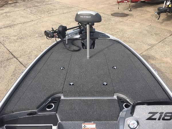 2021 Nitro boat for sale, model of the boat is Z18 Pro & Image # 5 of 10