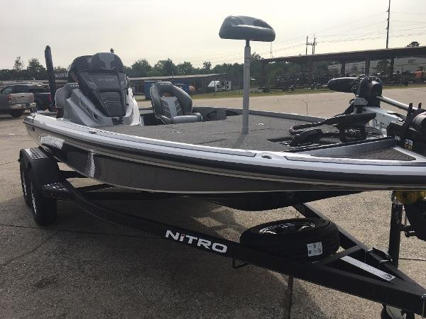 2021 Nitro boat for sale, model of the boat is Z18 Pro & Image # 6 of 10