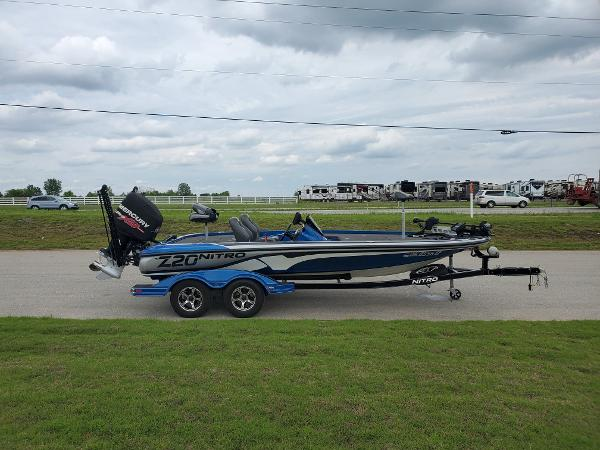 2016 Nitro boat for sale, model of the boat is Z20 Z-Pro High Performance & Image # 2 of 13