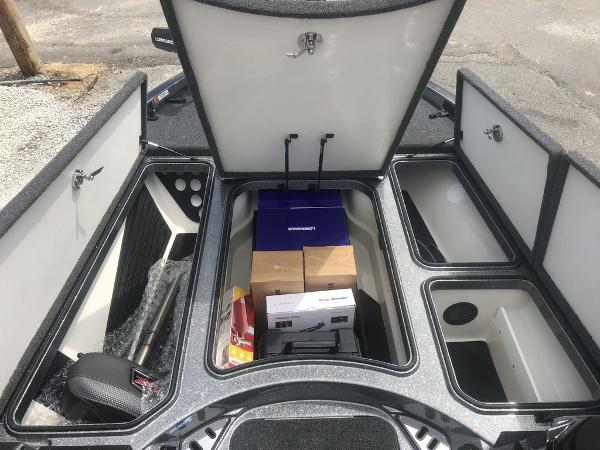 2021 Ranger Boats boat for sale, model of the boat is Z520L & Image # 12 of 30
