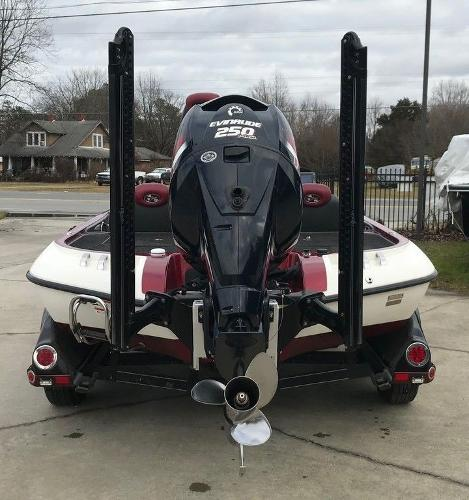 2012 Ranger Boats boat for sale, model of the boat is Z520C & Image # 2 of 16