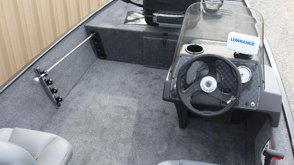 2021 Tracker Boats boat for sale, model of the boat is BASS TRACKER® Classic XL & Image # 3 of 13