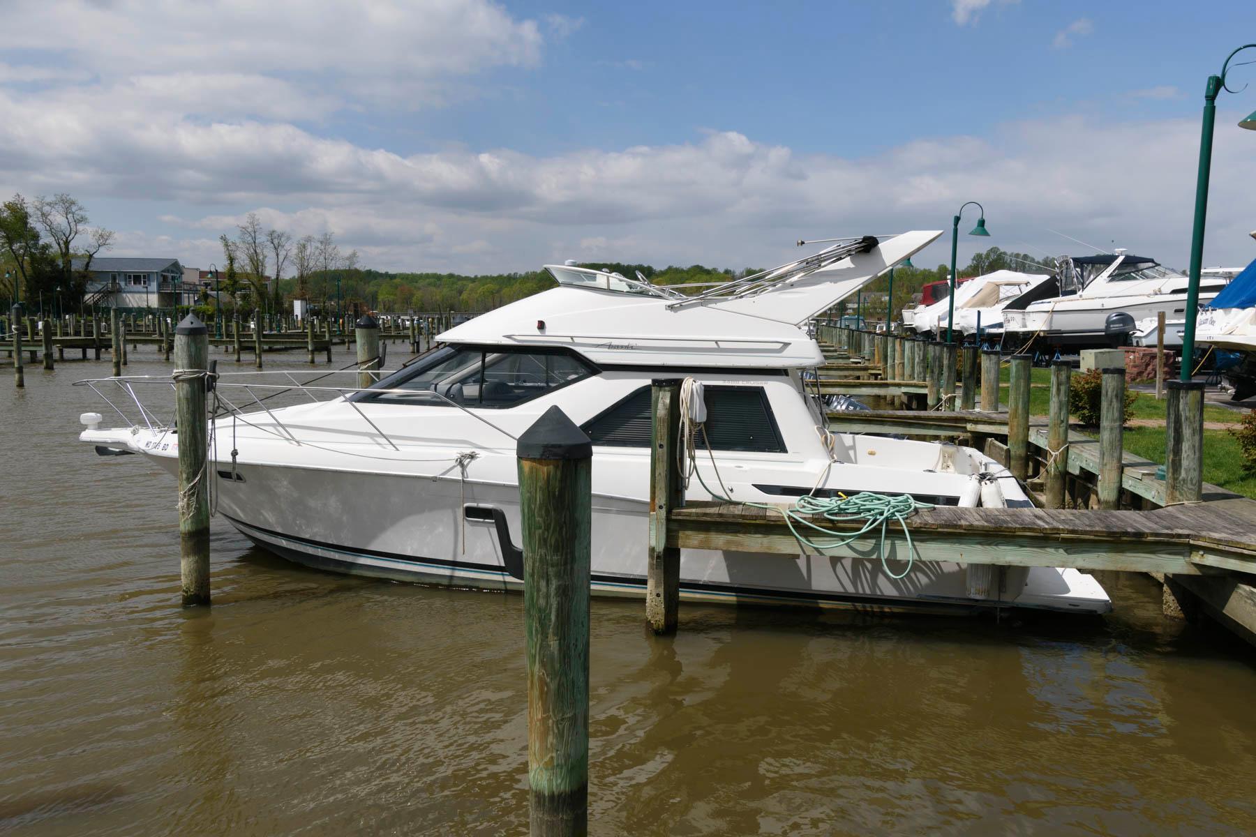 M 6050 DD Knot 10 Yacht Sales