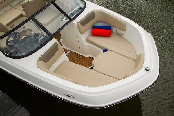 2022 Bayliner boat for sale, model of the boat is VR5 Bowrider I/O & Image # 15 of 24