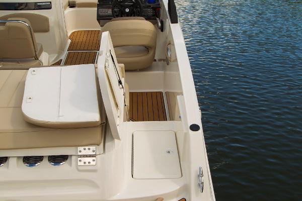 2022 Bayliner boat for sale, model of the boat is VR5 Bowrider I/O & Image # 23 of 24