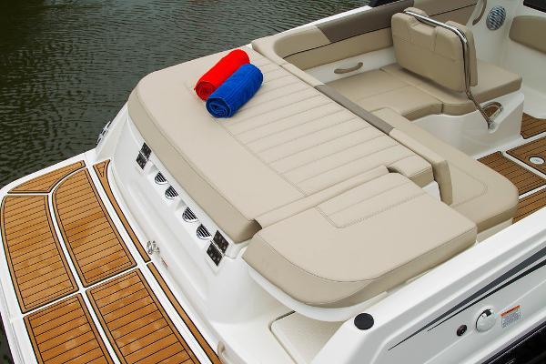 2022 Bayliner boat for sale, model of the boat is VR5 Bowrider I/O & Image # 20 of 24