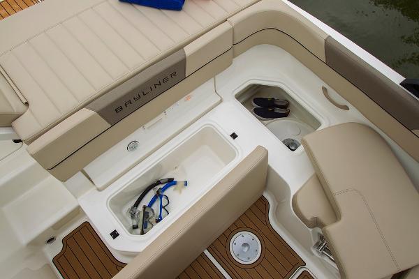 2022 Bayliner boat for sale, model of the boat is VR5 Bowrider I/O & Image # 19 of 24