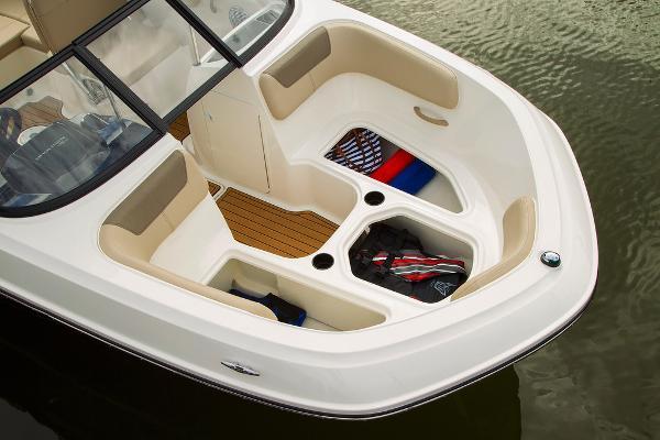 2022 Bayliner boat for sale, model of the boat is VR5 Bowrider I/O & Image # 16 of 24