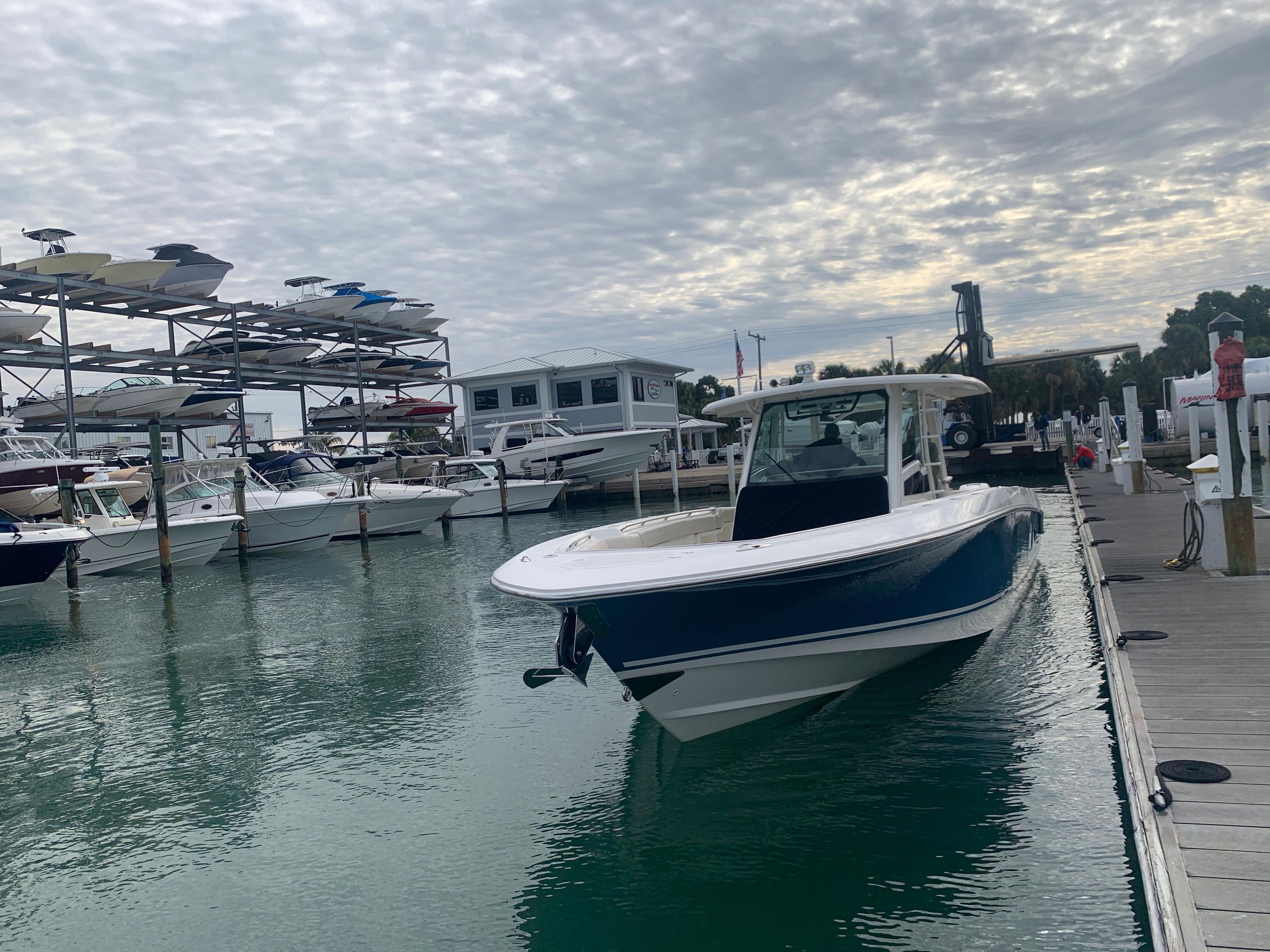 2018 Boston Whaler 380 Outrage