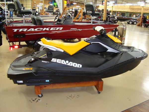 2021 Sea Doo PWC boat for sale, model of the boat is Spark 2up & Image # 1 of 6