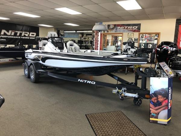 2021 Nitro boat for sale, model of the boat is Z18 & Image # 2 of 43