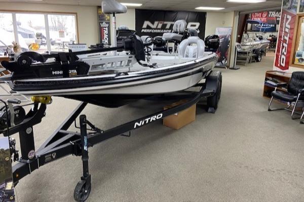 2021 Nitro boat for sale, model of the boat is Z18 & Image # 8 of 43