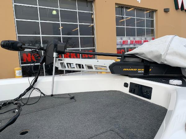 2013 Triton boat for sale, model of the boat is 186 Fishhunter & Image # 2 of 5