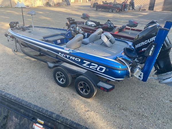 2017 Nitro boat for sale, model of the boat is Z20 & Image # 2 of 20