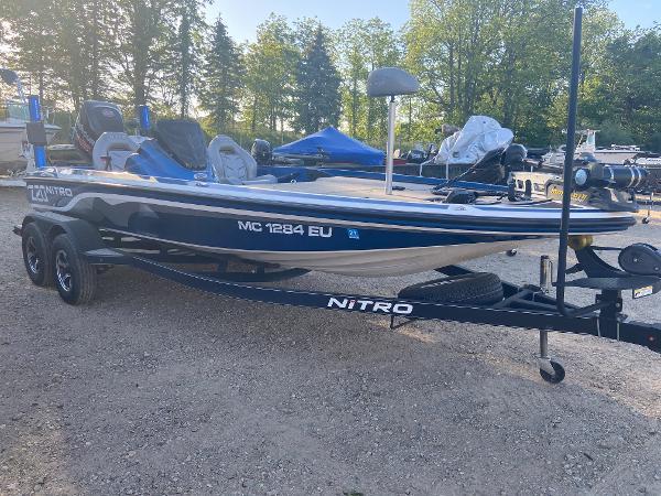 2017 Nitro boat for sale, model of the boat is Z20 & Image # 4 of 20