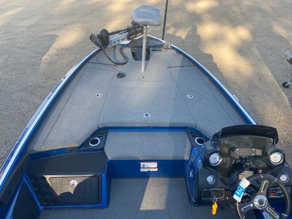 2017 Nitro boat for sale, model of the boat is Z20 & Image # 8 of 20