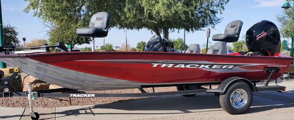 2021 Tracker Boats boat for sale, model of the boat is Pro Team 195 TXW & Image # 1 of 7